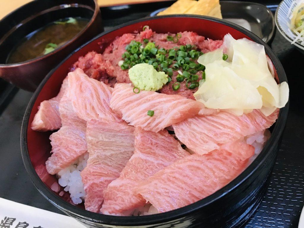 湯島寿司のランチメニュー!1日限定4食カマトロ丼!