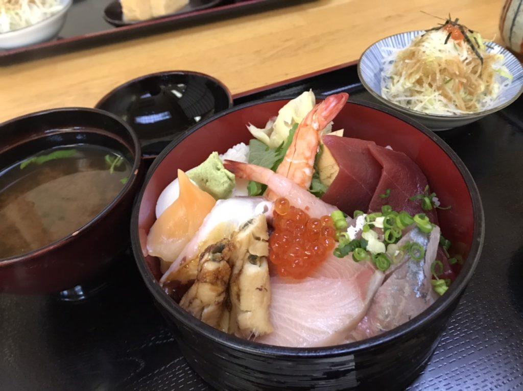 湯島寿司のランチメニュー!ちらし!